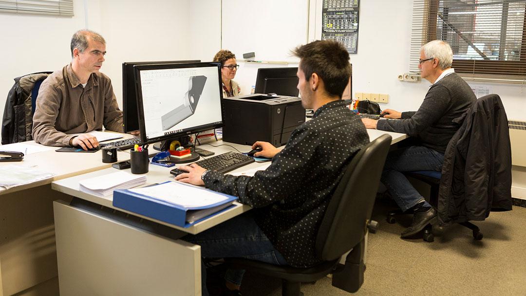 Ingenieros de Cayvol en las oficinas de La Llagosta
